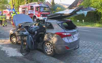 Zwei schwere Unfälle nahezu zeitgleich bei Lägerdorf: Vier Verletzte: Schwangere Frau eingeklemmt und schwer verletzt - Weiterer Unfall auf nahegelegener A23