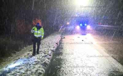 Dichter Schneefall und glatte Straßen: Mehrere Unfälle im Norden: Zwei Kleintransporter verunfallt - Winterdienst im Einsatz - Schneefall und überfrierende Nässe sorgen für glatte Straßen - Feuerwehr und Rettungsdienst im Einsatz