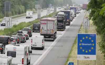 Sommer-Reisewelle rollt: Staus vor Grenze zu Dänemark: Dänemark ab Mitternacht kein Risikogebiet mehr - Sommerferien jetzt in fünf Bundesländern - Königreich hat Einreiseregeln für EU-Bürger weiter gelockert - negativer Schnelltest reicht für alle EU-Bürger zur Einreise aus - Menschen buchen vor allem Sommerhäuser für autarken Urlaub